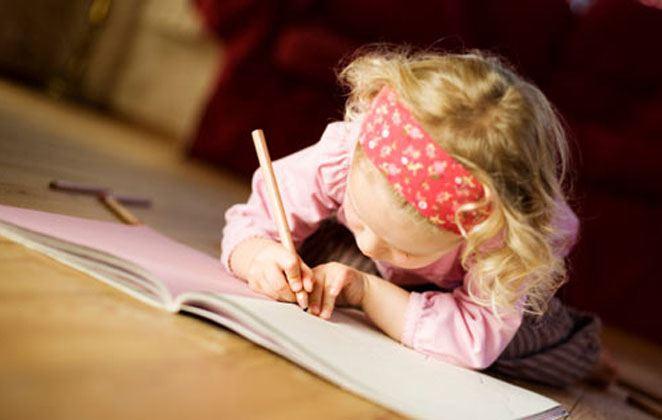 Ποιά είναι η καλύτερη ηλικία για να ξεκινήσει το παιδί μου Αγγλικά;